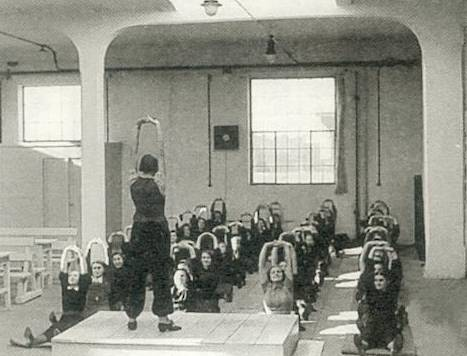 Ćwiczenia gimnastyczne w czasie przerw w pracy